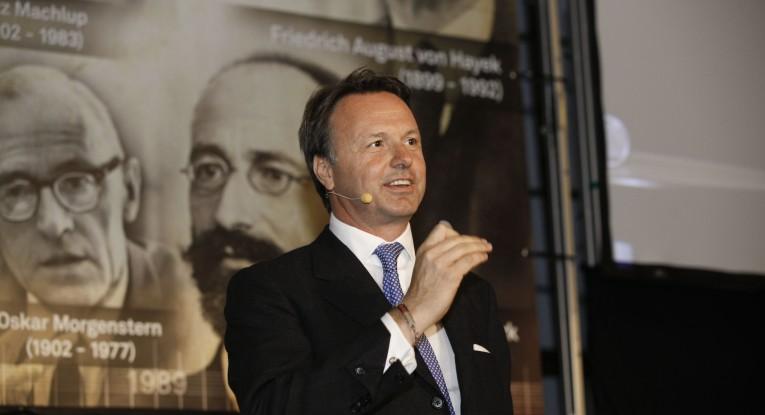 Nikolaus Kimla - CEO of Pipeliner CRM